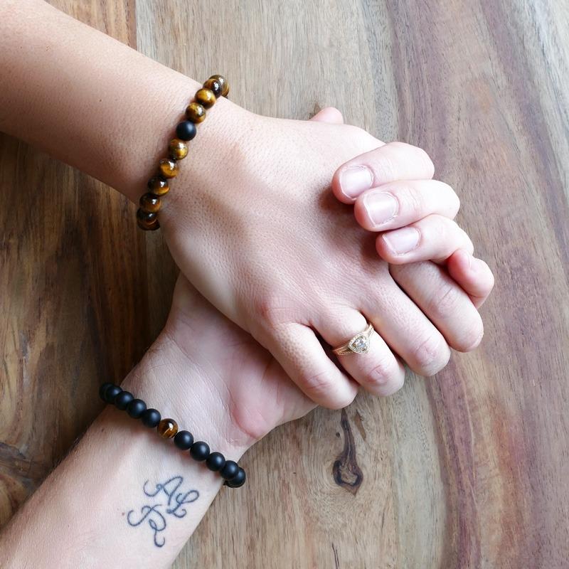 Bracelet de distance oeil de tigre et agate noire