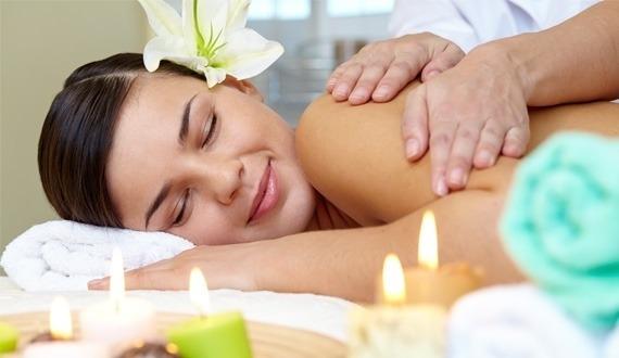 Le Monoï de Tahiti, une huile de massage par excellence